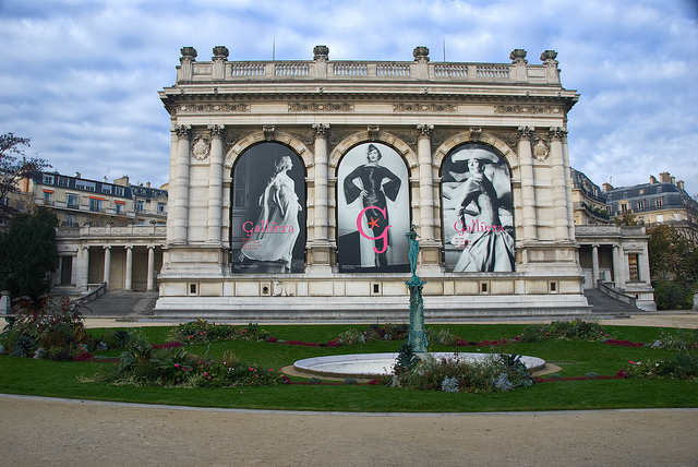 Palais Galliera (Musée de la Mode de la Ville de Paris) by john weiss / © Some rights reserved. Licensed under a Creative Commons Attribution-NonCommercial-NoDerivatives license